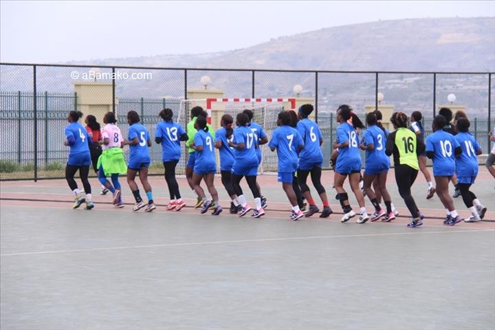 11 mes jeux africains handball f minin pr paration des lionnes indomptables abamako photos. Black Bedroom Furniture Sets. Home Design Ideas